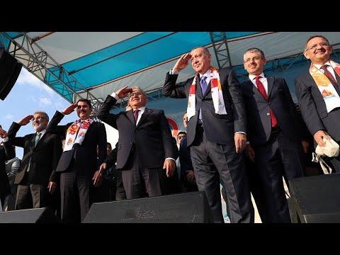 Ερντογάν: «H Τουρκία θα σπάσει τα κεφάλια των Κούρδων»