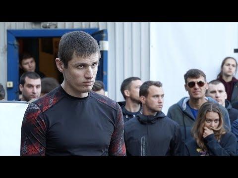 ロシアでストリートファイトで男が脚を失った正直見ない方がいい・・・ - DomaVideo.Ru