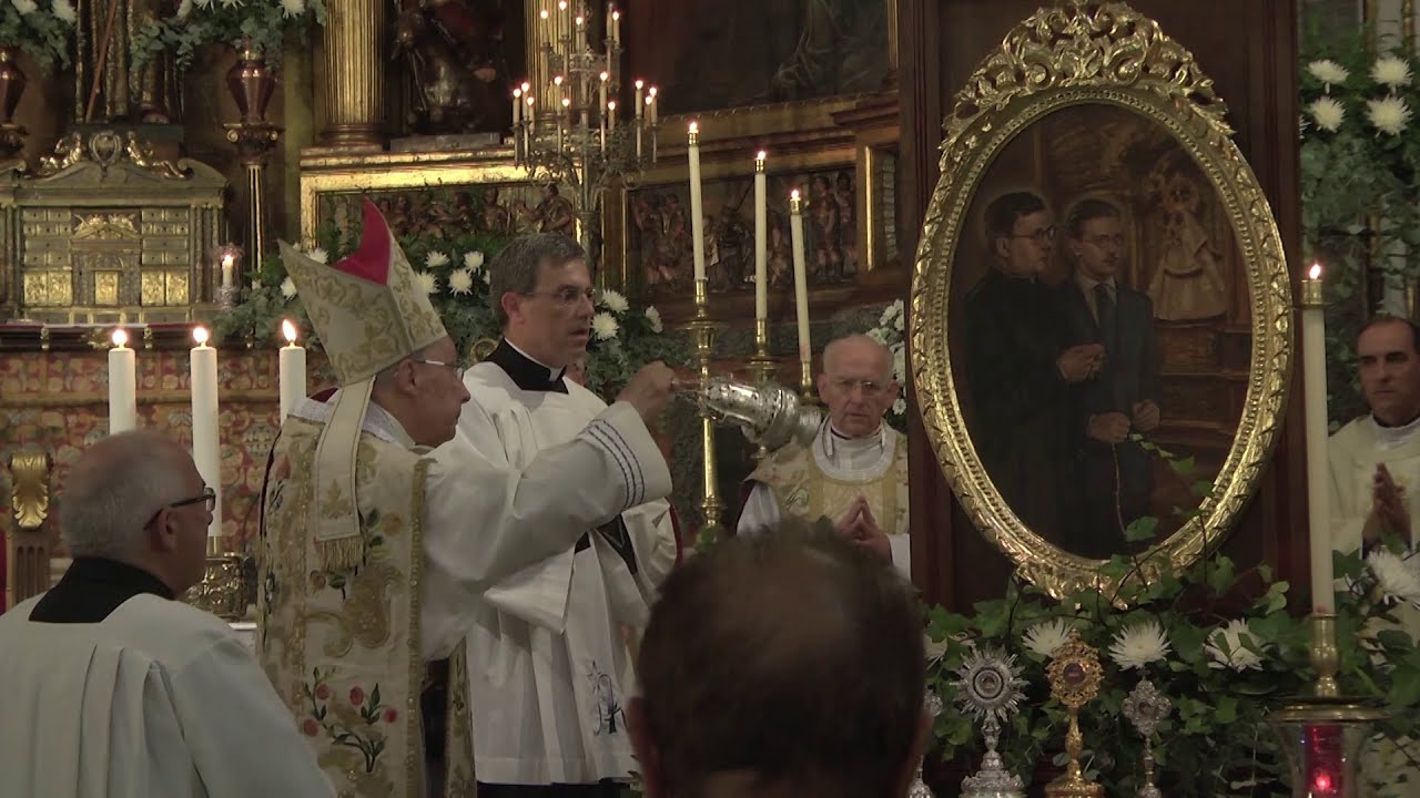 Prelado benze um quadro de S. Josemaría em Santa Maria de Guadalupe