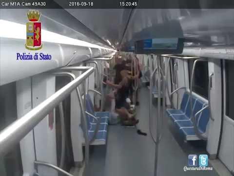 Pestaggio nella metro a Roma: arrestato anche il terzo aggressore VIDEO