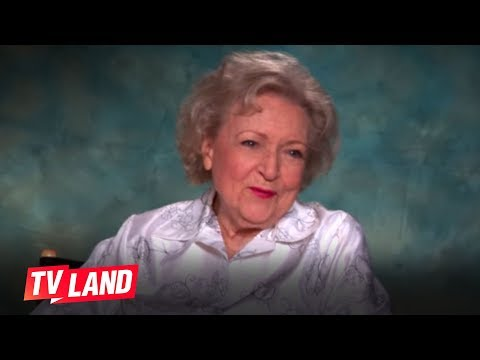 Hot in Cleveland Season 6 (Behind the Scene 'Betty White Talks About Working With the Ladies')