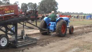 Heyfield Australia  city photos : Vintage Tractor Pull Highlights from Heyfield in Victoria, Australia