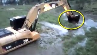 Video Saat Bersihkan Sungai, Tiba² Mereka Terkejut!! Ketika Temukan Makhluk Besar ini! Mengejutkan! MP3, 3GP, MP4, WEBM, AVI, FLV Maret 2019