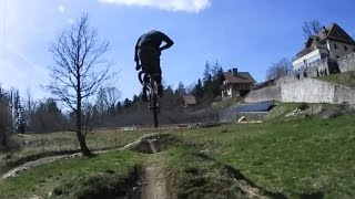 Enjoy this trail action in 360 degree!Riders: Flying Metal CrewTrail: Chaumont, SwitzerlandFilmed with a Nikon Key Mission 360.#360video #fundayout-----------------------------------------------------------------------------------------------Sound: Tobu - Colors [NCS Release] https://youtu.be/MEJCwccKWG0http://www.7obu.comhttp://www.soundcloud.com/7obuhttp://www.facebook.com/tobuofficialhttp://www.twitter.com/tobuofficialhttp://www.youtube.com/tobuofficial