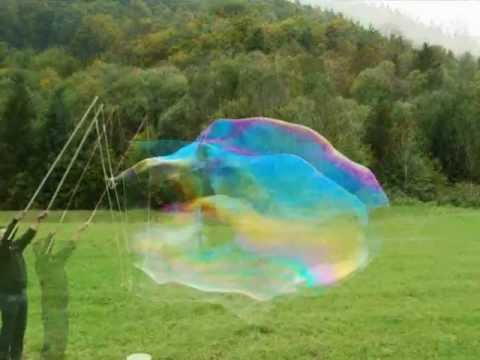 Giant soap bubbles - Science experiment