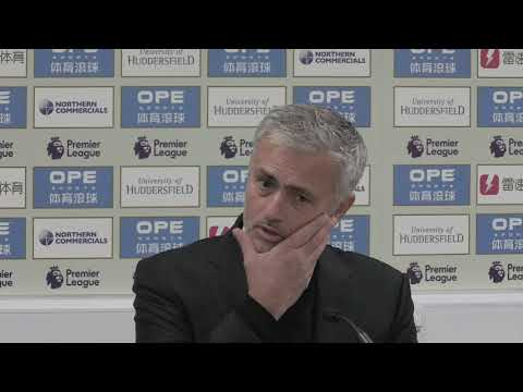 Angry Mourinho rips into United (видео)
