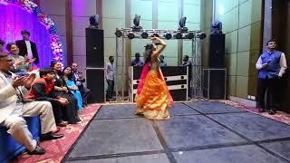 Video गजब का डांस किया लड़की ने शादी वाले डीजे पर - Indian Wedding Video download in MP3, 3GP, MP4, WEBM, AVI, FLV January 2017