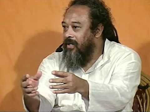 Mooji Video: Be Clear Who You Are… Person or Consciousness?