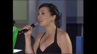 Download Lagu Grupo 'Emociones a la carta'. Regina Trigo canta 'El vendedor' Mp3