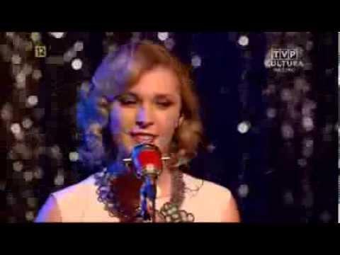 Tekst piosenki Mela Koteluk - Miłość Ci wszystko wybaczy po polsku