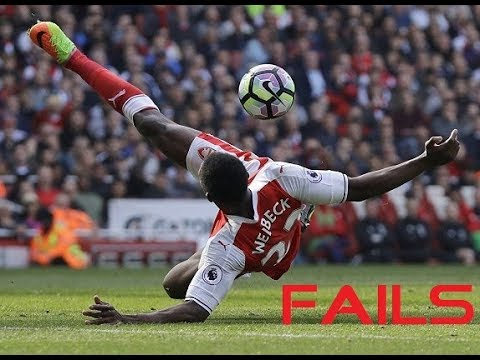 Arsenal Striker Danny Welbeck Funny Skills Fail & Arsene Wenger Funny Reaction.