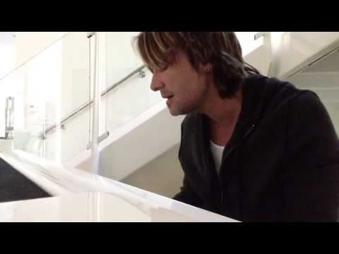 Keith Urban pays tribute to George Jones