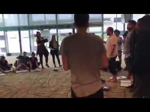 Video Balleilakka : Foreigners Sing at Changing Airport Singapore download in MP3, 3GP, MP4, WEBM, AVI, FLV January 2017