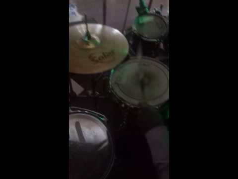 Drum Lessons : Basic Makosa Beat