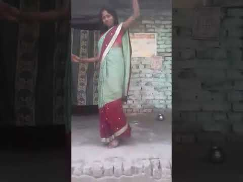 Video Sexy girl dancing download in MP3, 3GP, MP4, WEBM, AVI, FLV January 2017