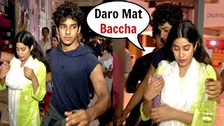 Video SCARED Jhanvi Kapoor Protected By Bf Ishaan Khattar From Fan Trying To Get Close To Her MP3, 3GP, MP4, WEBM, AVI, FLV Juli 2018