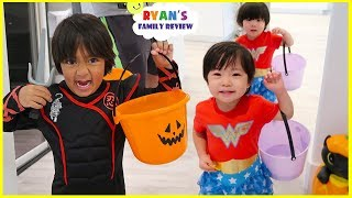 Trick Or Treat Pretend Play with Ryan's Family Halloween Special!
