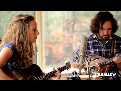 "Folk Alley Sessions: Mandolin Orange - ""Until the Last Light Fades"""