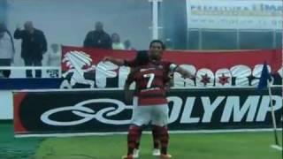 Flamengo ganha de 1 x 0 em um confronto direto pela vaga na libertadores. Gol de Ronaldinho em Macaé.
