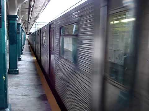12-26-2006 R32 Phase II (N) Train Departing 86th street (видео)