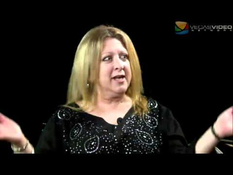 Awkward Silence 2.1 #022: Comedian Elayne Boosler