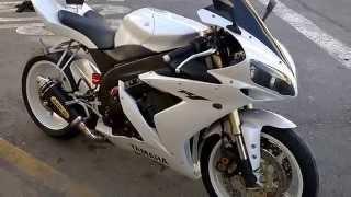 9. Yamaha R1 2004 white