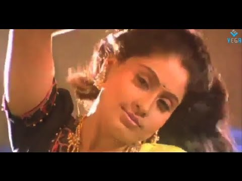 Adikkudhu Kuliru – Rajinikanth |Vijayshanthi | Kushboo | Video Song | Mannan
