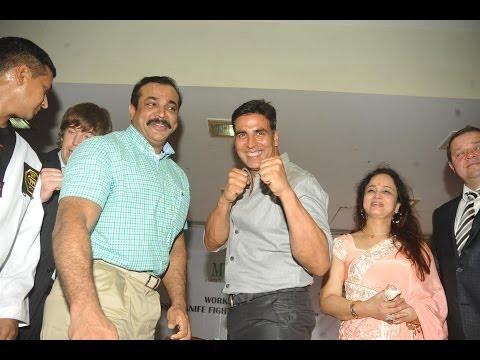Akshay Kumar And Smita Thackeray Launched Tolpar Knife Training