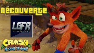 """Crash Bandiccot remasterisé sur PS4 Pro (PlayStation 4 Pro) en français▬▬▬▬▬▬▬▬▬▬▬▬▬▬▬JEUX PAS CHÈR SUR MMOGA: https://mmo.ga/FiG9POUR NE PLUS RIEN LOUPER:••► Page Facebook: https://www.facebook.com/LiveGamingFR••► Twitch.tv: http://fr.twitch.tv/livegaming_fr••► Mon Twitter: https://twitter.com/LiveGamingFR••► Chaîne YouTube: http://www.youtube.com/user/FCSGam3rzqwe582••►Soutenir le Stream et passer un Message: https://www.tipeeestream.com/livegaming%20fr/donation▬▬▬▬▬▬▬▬▬▬▬▬▬▬▬▬▬▬▬▬▬▬▬▬▬▬▬▬▬▬▬▬▬▬Et n'oublie pas de mettre un """"j'aime"""", de laisser un Commentaire, de partager la Vidéo et de t'abonner, si la Vidéo ta plu. Merci et bon visionage!Cordialement LiveGaming FR"""