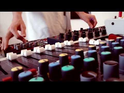 Matt Karmil - Mods (live)