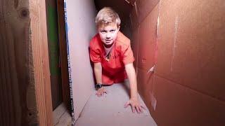 HACKER ESCAPED! Box Fort PRISON ESCAPE