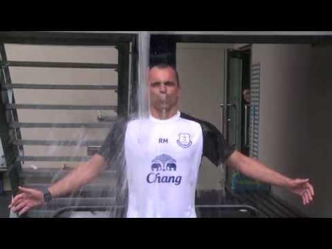 Video: Roberto Martinez takes on the #IceBucketChallenge