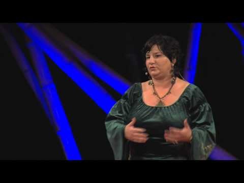 Mesehősök a 21. században: Kádár Annamária at TEDxDanubia 2014