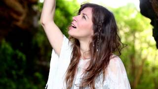Clipe -  Amazing Grace - Helena Angelini