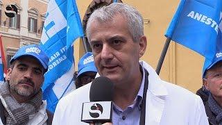 Turni massacranti, un anno dopo: legge inapplicata, i medici dicono basta