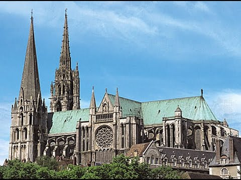 Notre-Dame de Chartres - Visiting Chartres Cathedral, France - UNESCO World Heritage site