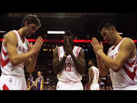 Day in The Life - Game Day: Houston Rockets vs. L.A Lakers (1/8/2013) Follow Jeremy Lin as he takes you through his game day routine, and shows you how he prepares, warms up a...