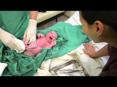 parto natural - Após 5 horas de trabalho de parto, Alice, minha terceira filha, nasceu com 41 semanas e 5 dias, num lindo parto natural humanizado hospitalar. Despertou junt...