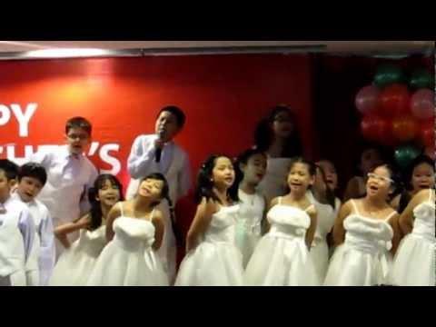 Thảo My làm MC chương trình Ngày Nhà Giáo Việt Nam - 20/11/2012