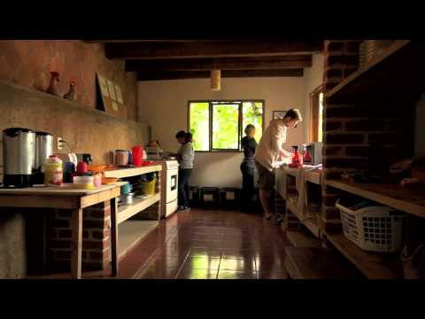 Wideo Rossco Backpackers Hostel