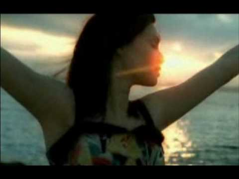 Sophie Ellis Bextor - Music Gets The Best Of Me lyrics