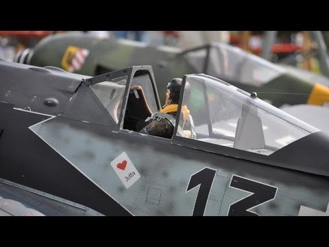 warbirds - One of the best warbird meetings in southern Germany. Eines der besten Warbirdmeetings in Sddeutschland. Open your speakers ... take a beer and popcorn ... ...