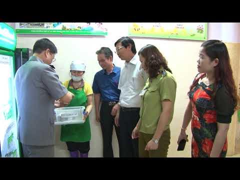 Kiểm tra công tác đảm bảo an toàn thực phẩm tại huyện Đông Anh