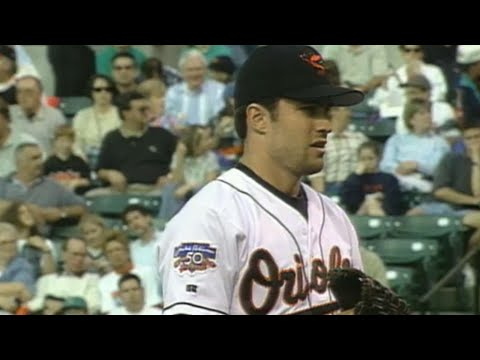 Video: Mussina hurls one-hitter against Indians