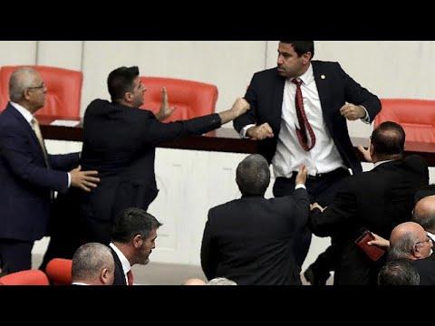Türkei: Schlägerei im Parlament bei Diskussion über den Militäreinsatz in Nordwestsyrien