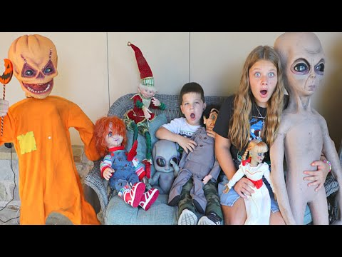 SLAPPY DANNY & THE VILLAINS ARE BACK! Aubrey & Caleb MAKE HALLOWEEN COOKIES w/ Aliens & Annabelle!