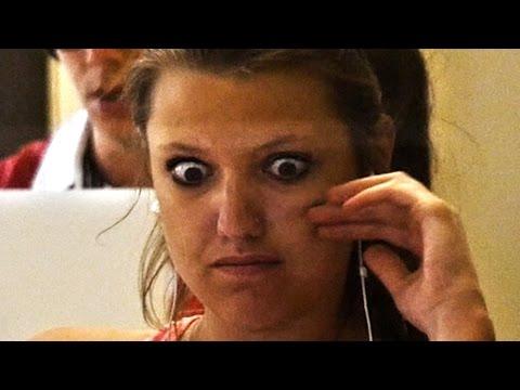 Video Desconectar en la biblioteca está bien, pero asegúrate de llevar auriculares de Humor