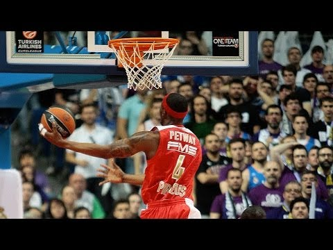 plays - Don't miss to take a look at the best five plays of the Turkish Airlines Euroleague Playoffs Game 2!