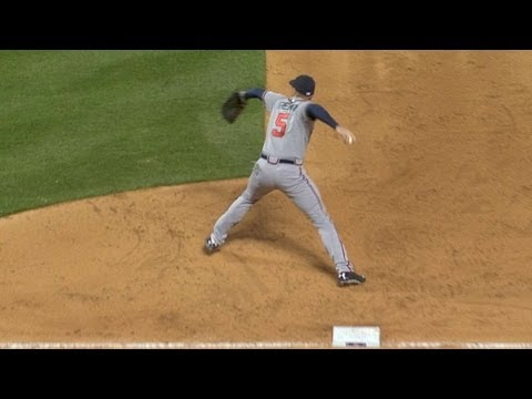 Video: Freeman's heads-up play ends the inning