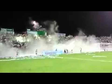 Mafia verde espectacular recibimiento a Liga de Portoviejo - Máfia Verde - Liga de Portoviejo
